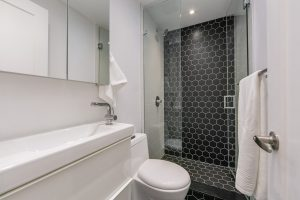 1557 Bloor Bathroom Pic 2